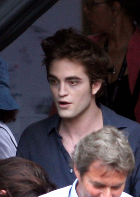 robert pattinson twilight shirtless. Tagged Robert Pattinson