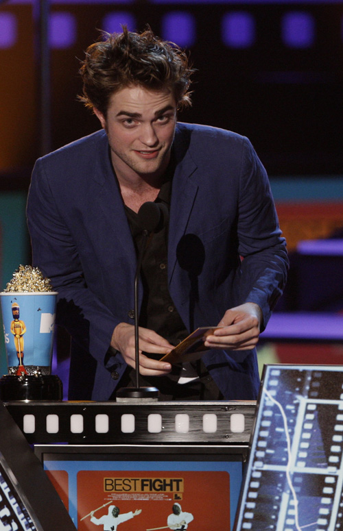 robert-pattinson-mtv-5319-8