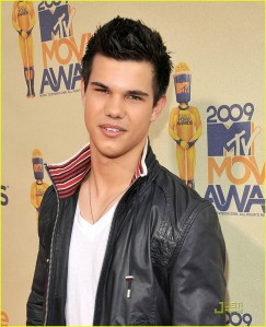 taylor-lautner-shirtless-new-moon-10