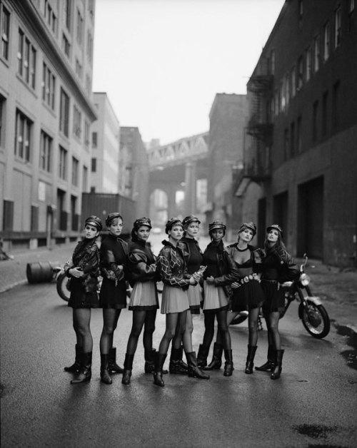 7.Versace-Models-by-Peter-Lindbergh,-1991