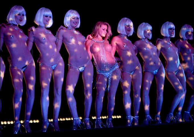 topless carmen electra