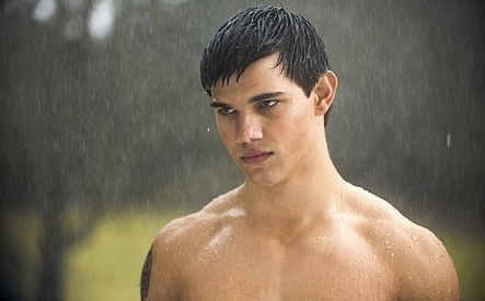 Taylor-Lautner-Looks-Past-Twilight-with-New-Movie-Roles-2